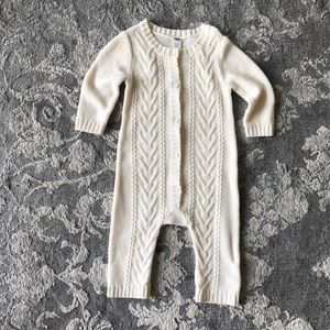 Old Navy Cable Knit • sz 6-12 months